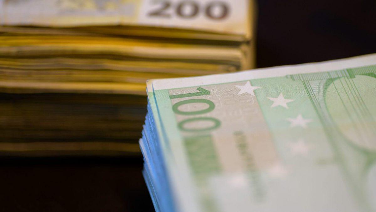 Reich, Geld, €, Euro